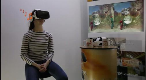 国外推出的一款VR简易投屏电视展台